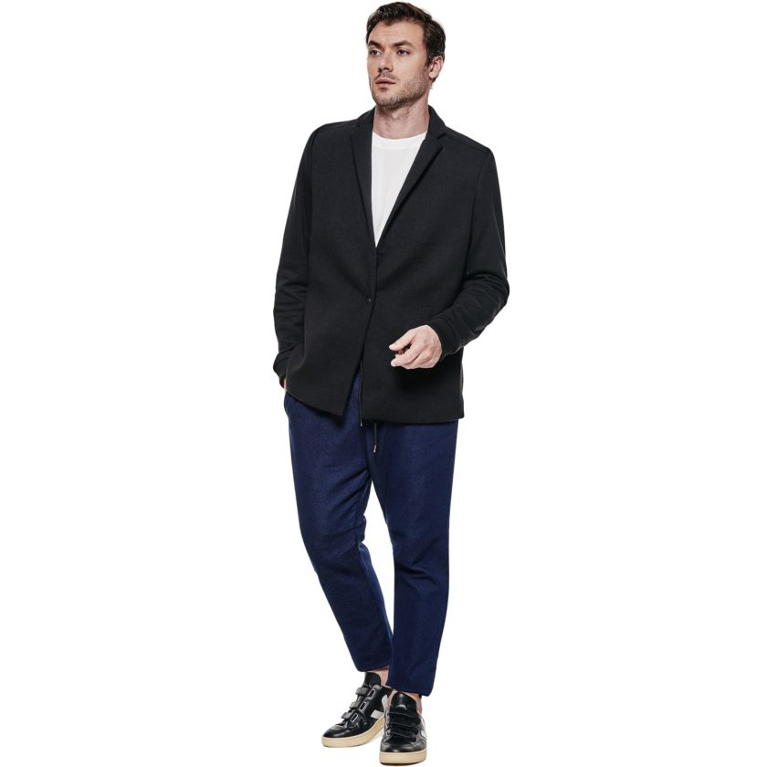 Blazer Color preto - pose