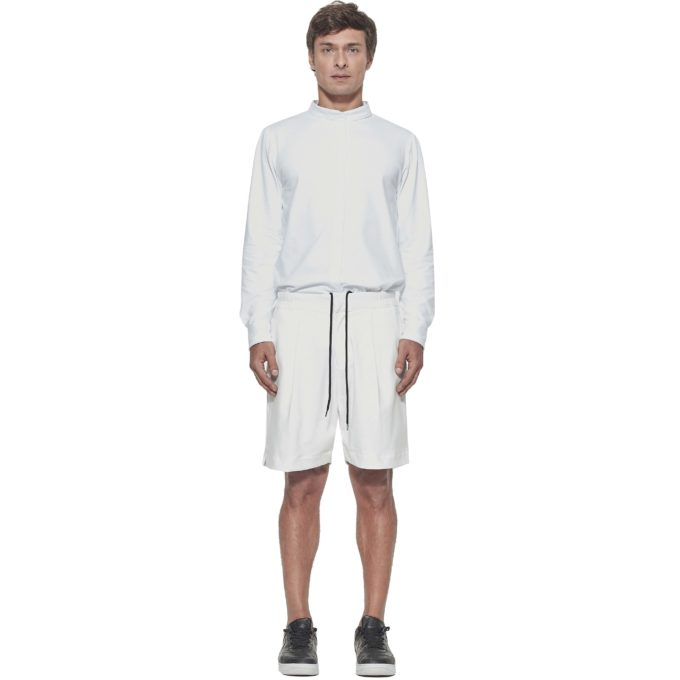 Bermuda Tech Off White - Look para virada do ano